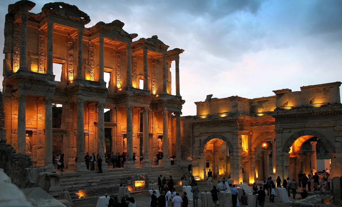Kusadasi - Ephesus by night
