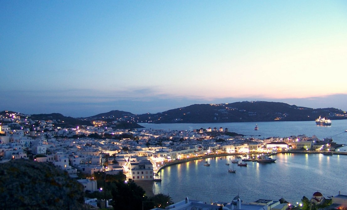 Mykonos (Greece) by night