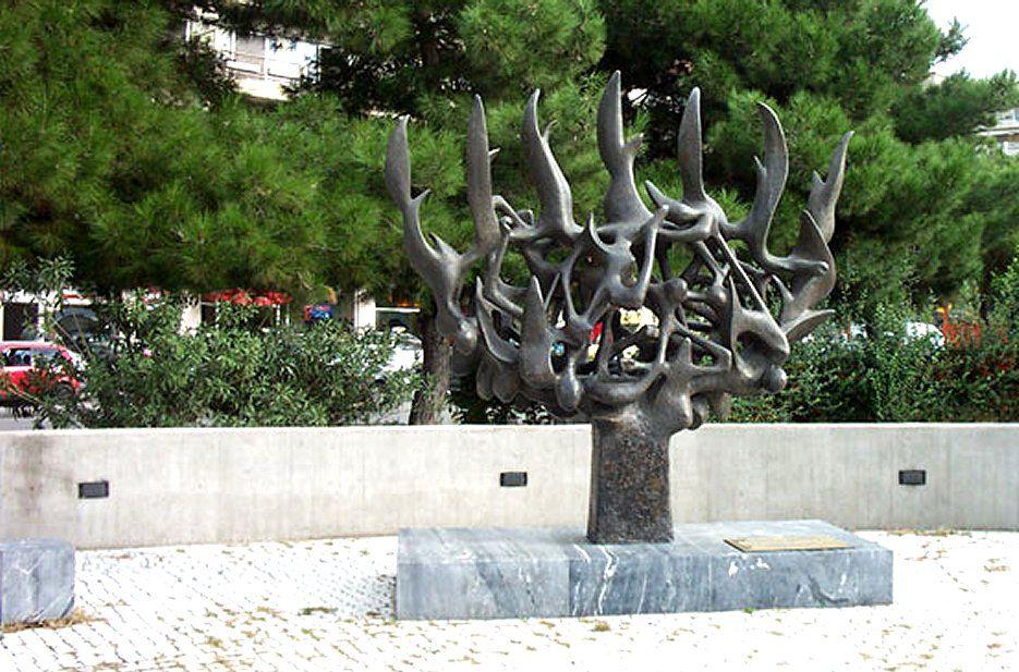 Thessaloniki Jewish Tour - Holocaust Memorial